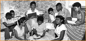 A story of melba pattillo the first black student in an all white school